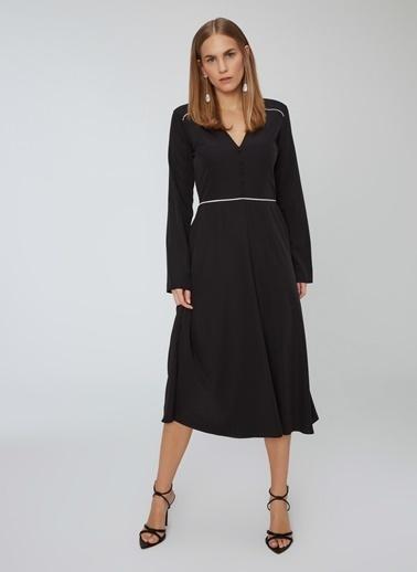 People By Fabrika V Yaka Uzun Kollu Pileli Midi Elbise Siyah
